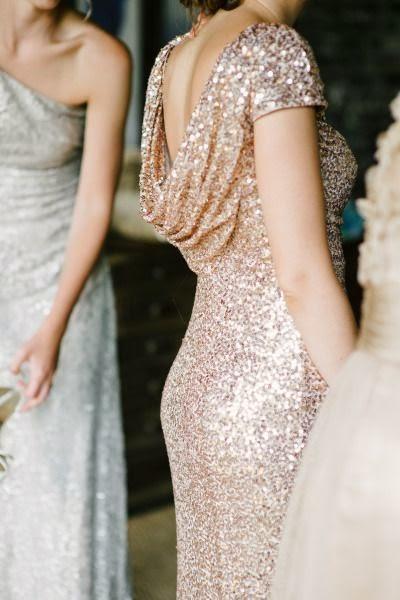 vestido invitada dorado y plateado
