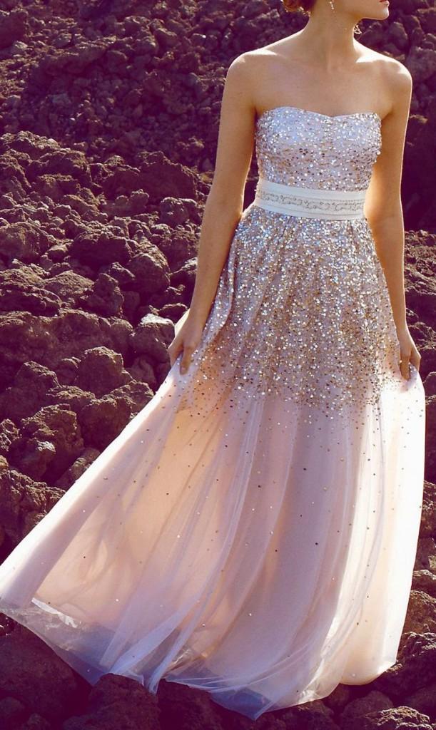 vestido dorado invitada