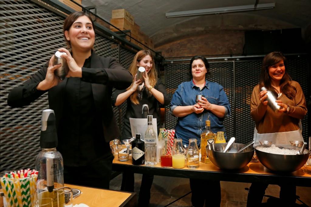 taller cocteleria fizz bartenders