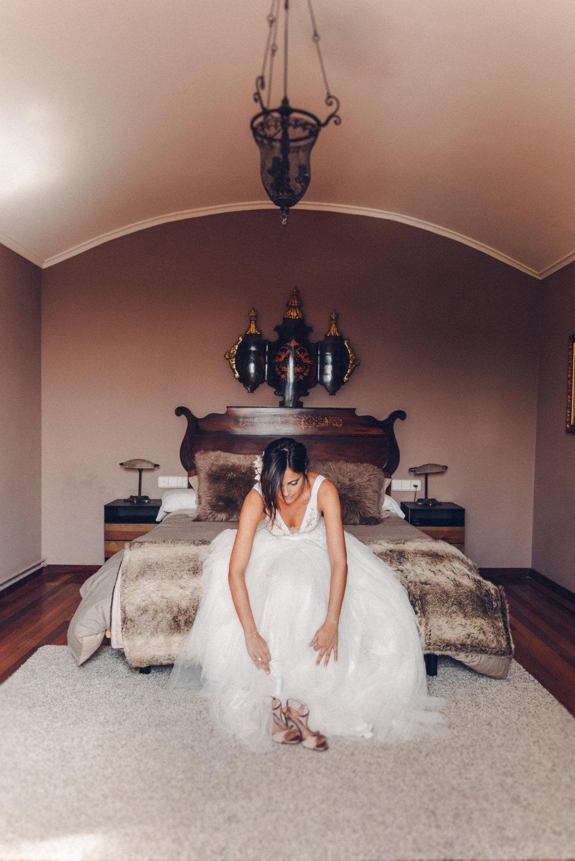 alba y jaime boda casa modernista barcelona vestido jordi dalmau