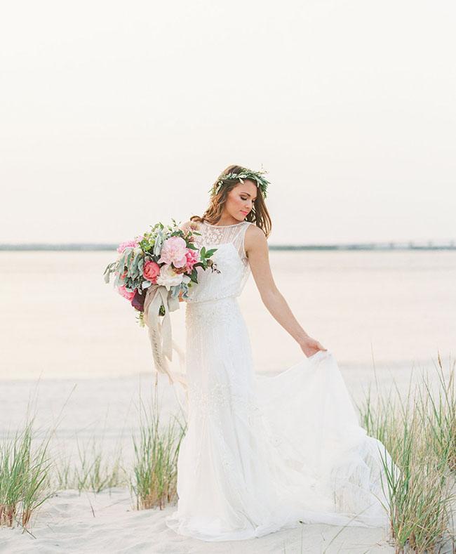 novia con corona olivo