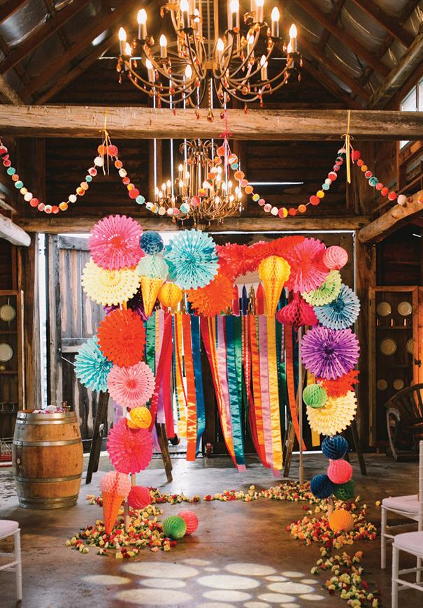 ceremonia llena de color