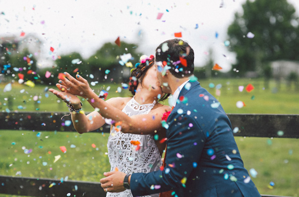 viva el confetti color en las bodas