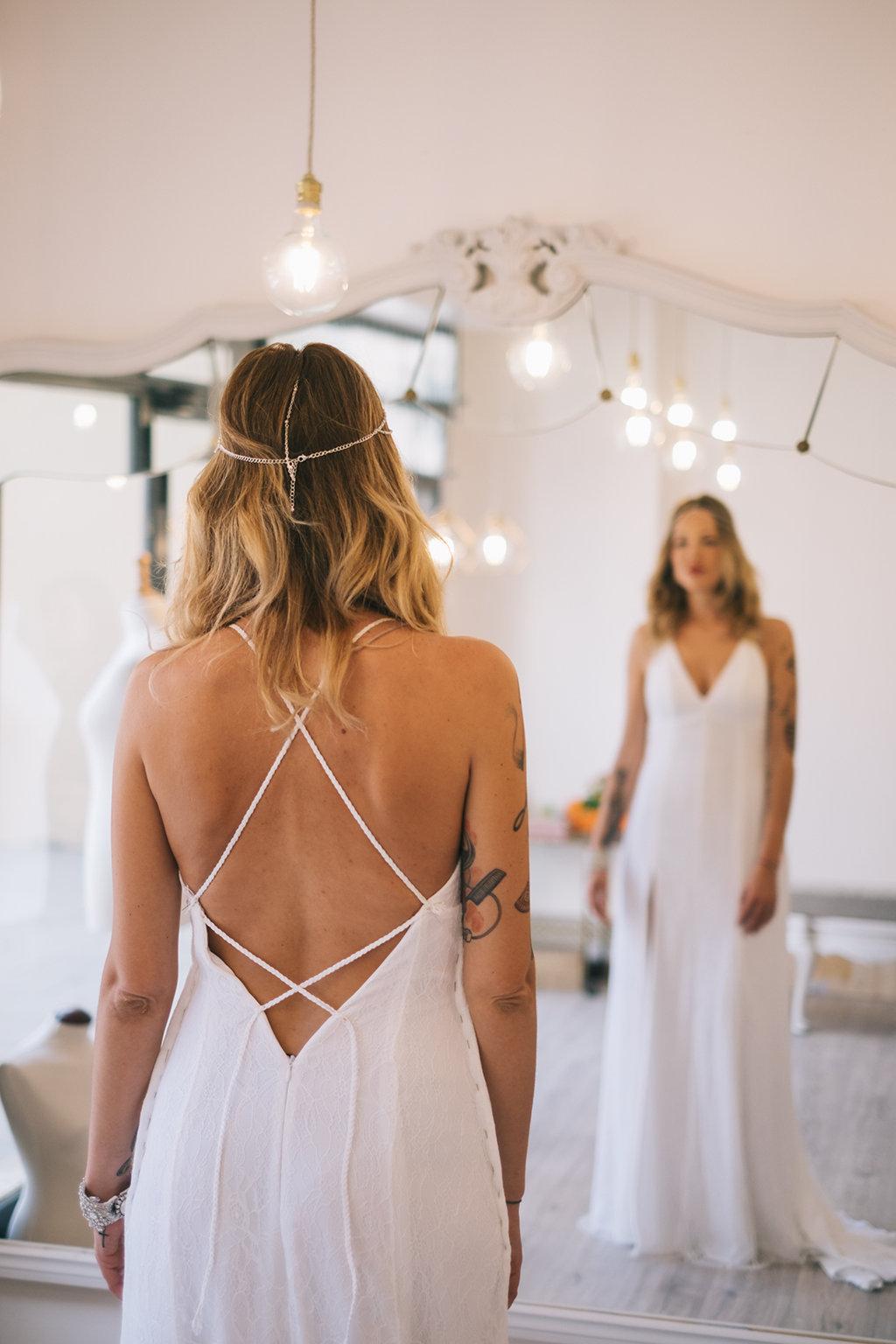 novia con tatuajes