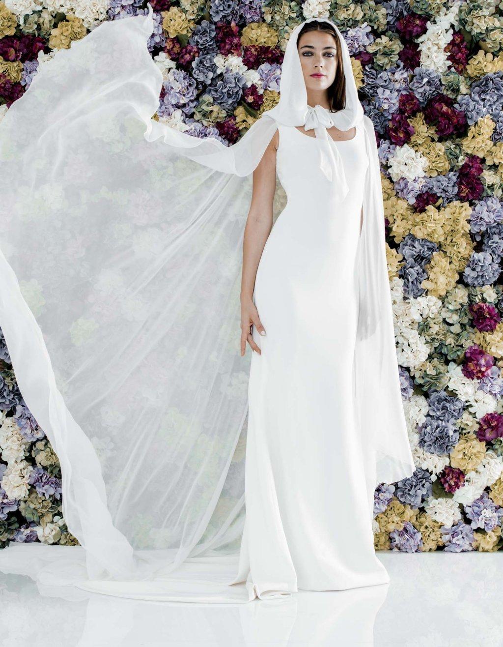 capa para novias de invierno colour nude