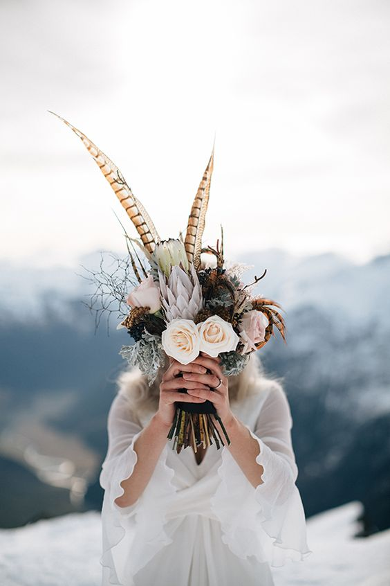 ramo novia plumas y proteas