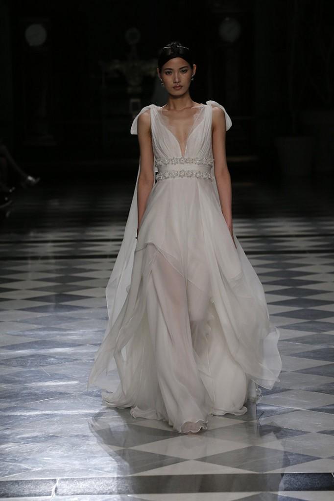 haute couture yolancris 2018 vestidos-novia-barcelona-coleccion-2018-alta-costura-tendencias-novia-yolancris-yolan-cris (19)