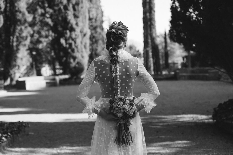 vestido novia con estrellas marta martí
