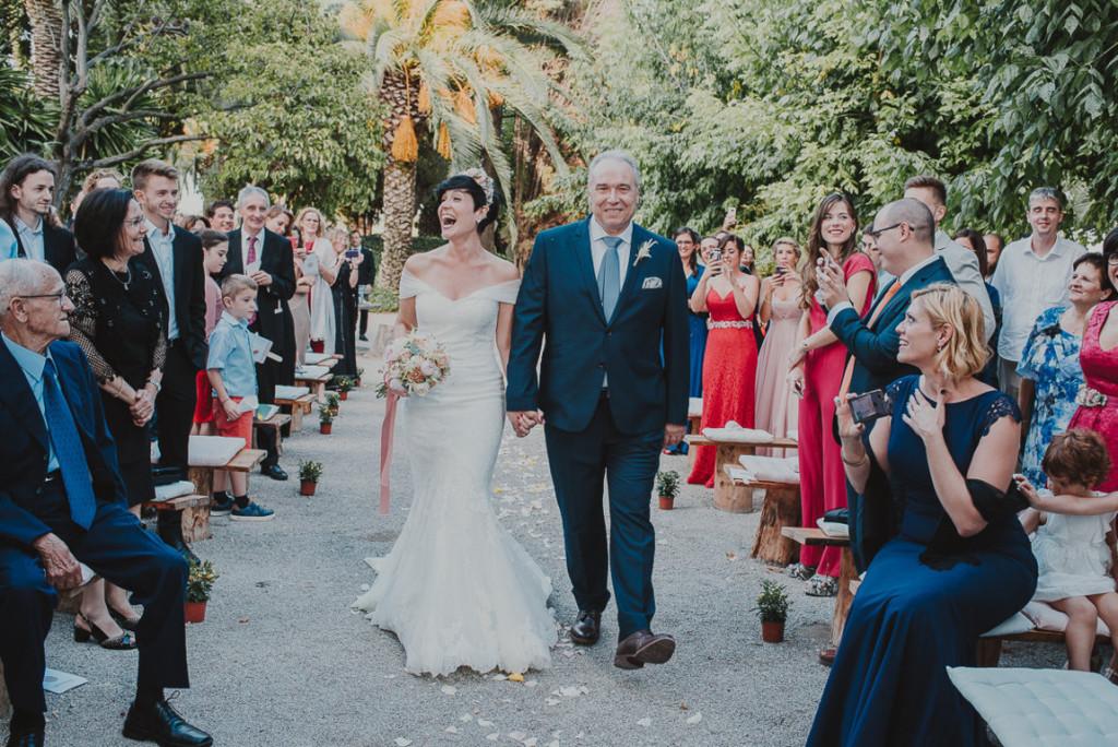 boda entre vinedos AlejandraCasaleizFotografoBodasBarcelonaDestinationWedding-210