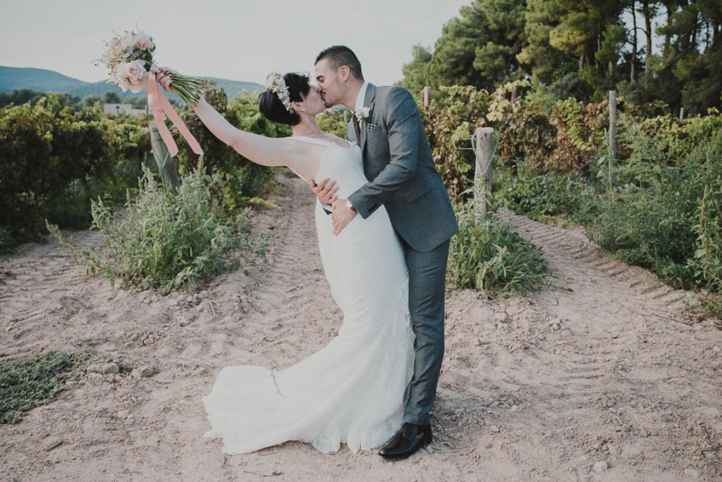 boda entre vinedos AlejandraCasaleizFotografoBodasBarcelonaDestinationWedding-322