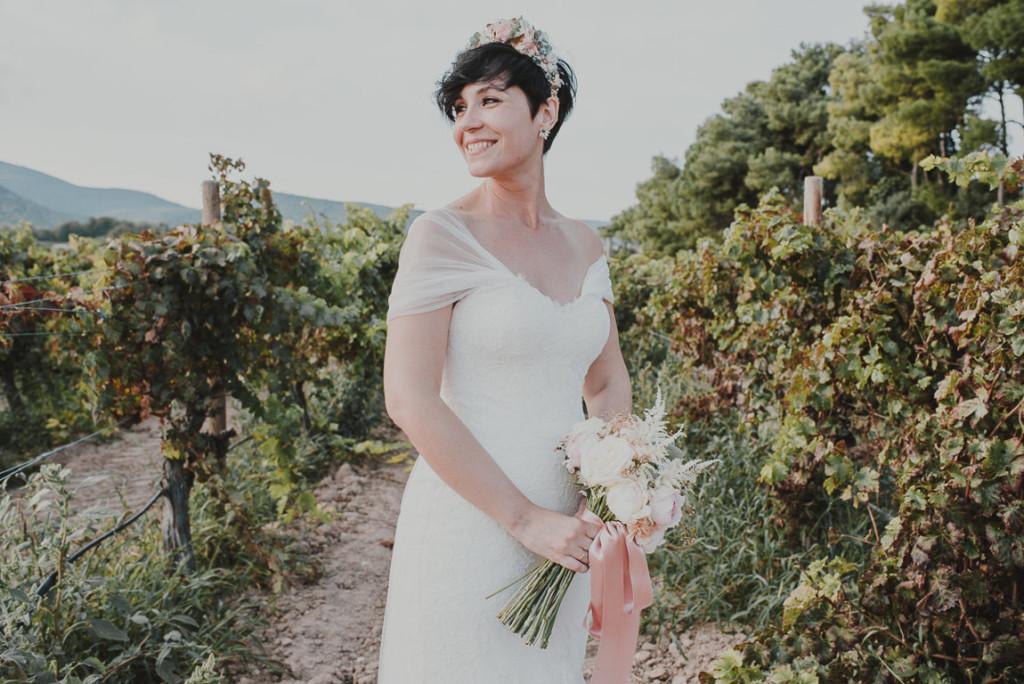 boda entre vinedos AlejandraCasaleizFotografoBodasBarcelonaDestinationWedding-330