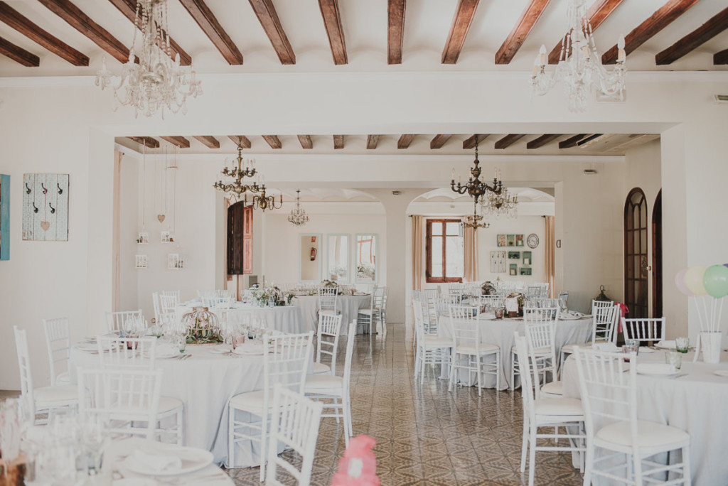boda entre vinedos AlejandraCasaleizFotografoBodasBarcelonaDestinationWedding-457