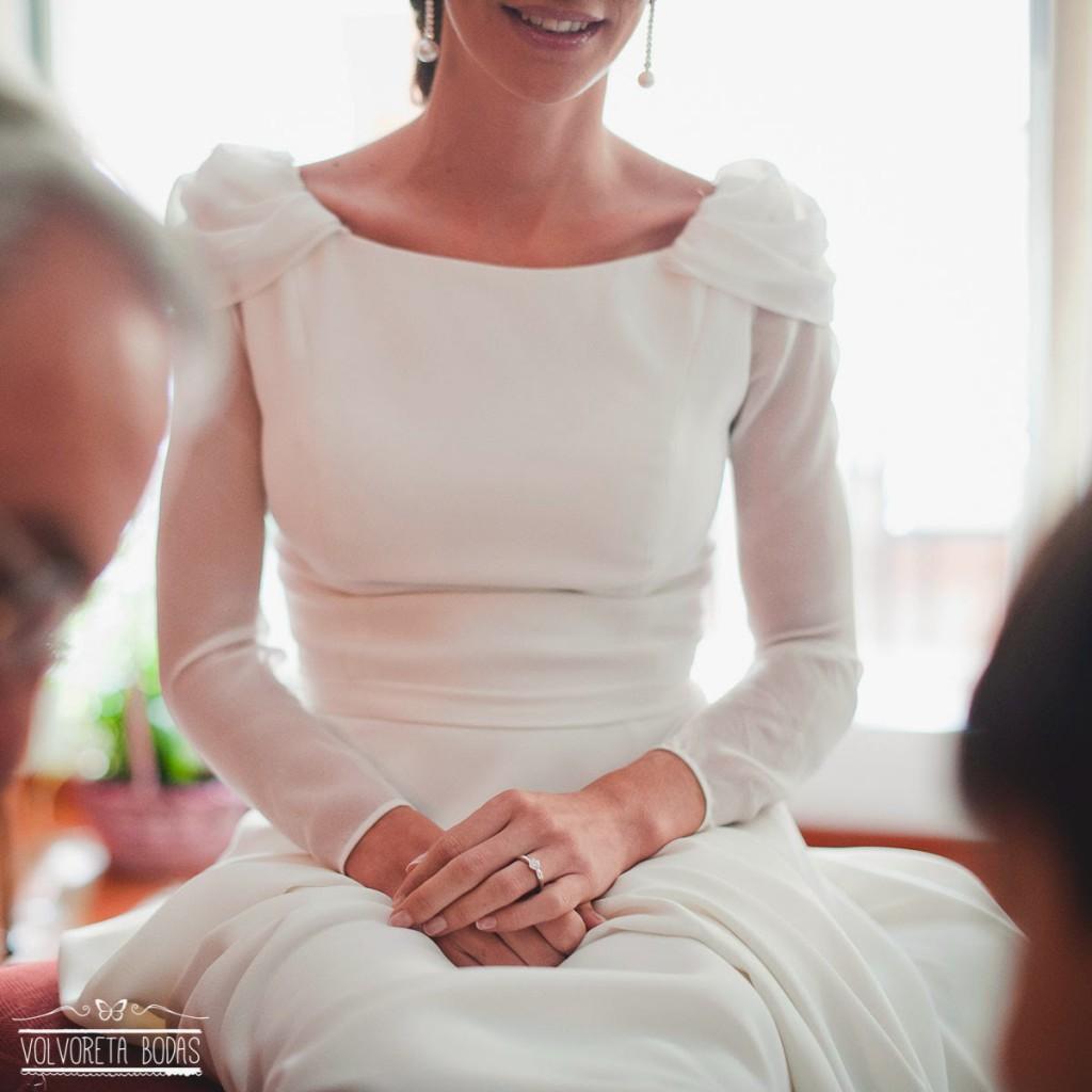 boda sencilla novia manga larga