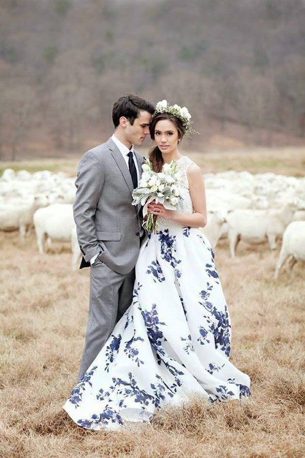 vestido novia flores azules