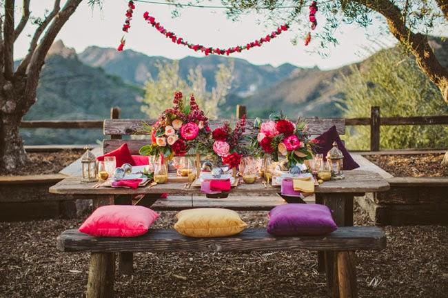 mesa boda con cojines