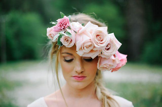 corona flores novia rosa cuarzo
