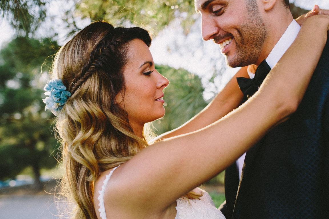 semirecogido novia con trenzas