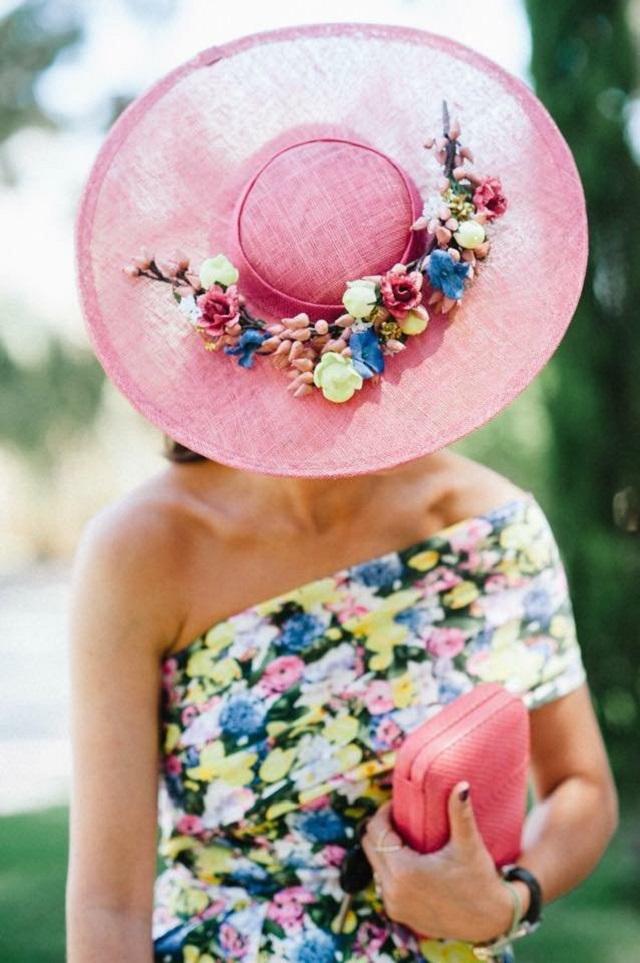 outfit flores boda invitada