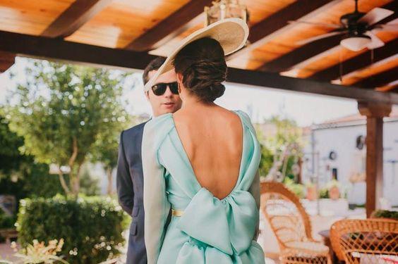 espalda descubierta invitada boda vestido mint