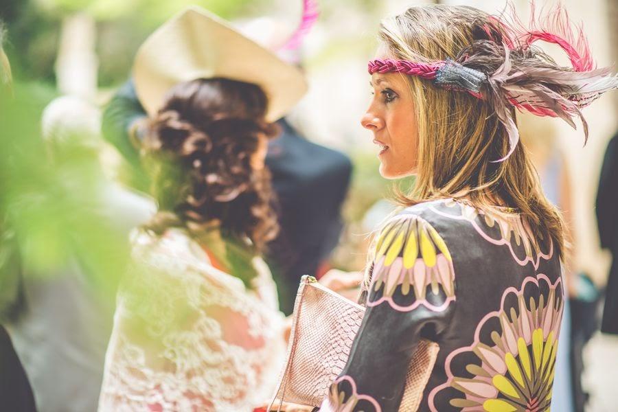 invitada boda con estilo