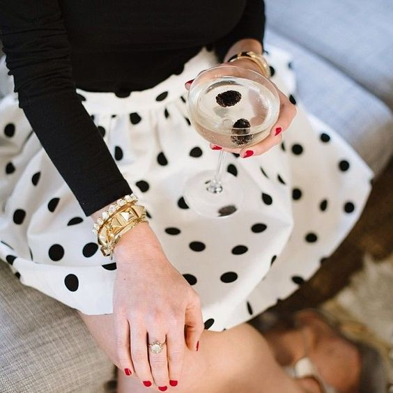invitada falda dots