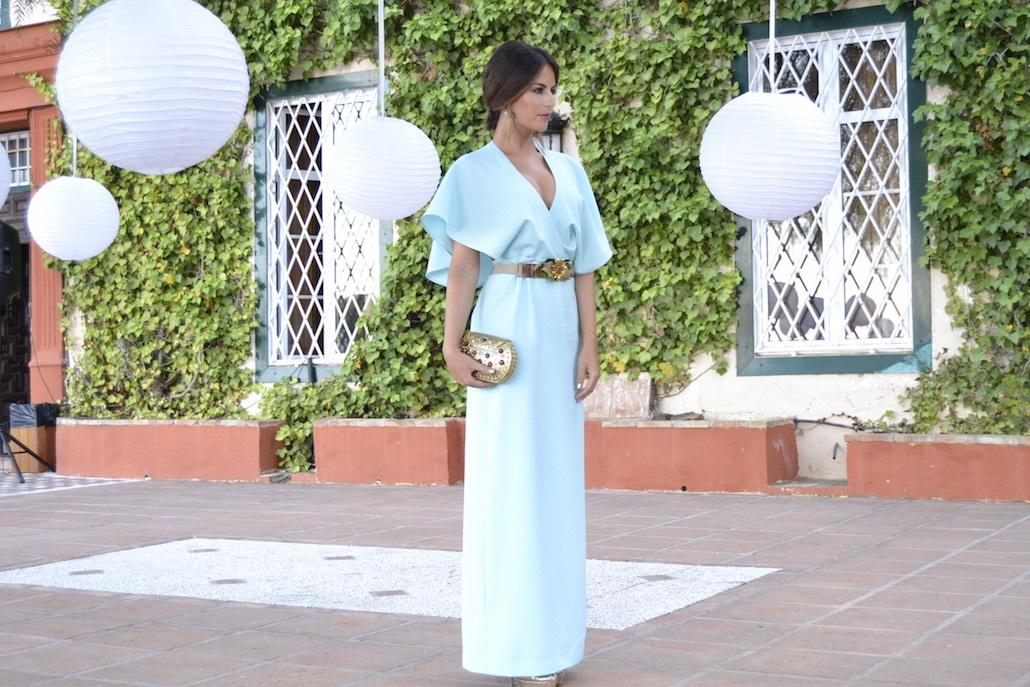 vestido con capa de dresseos