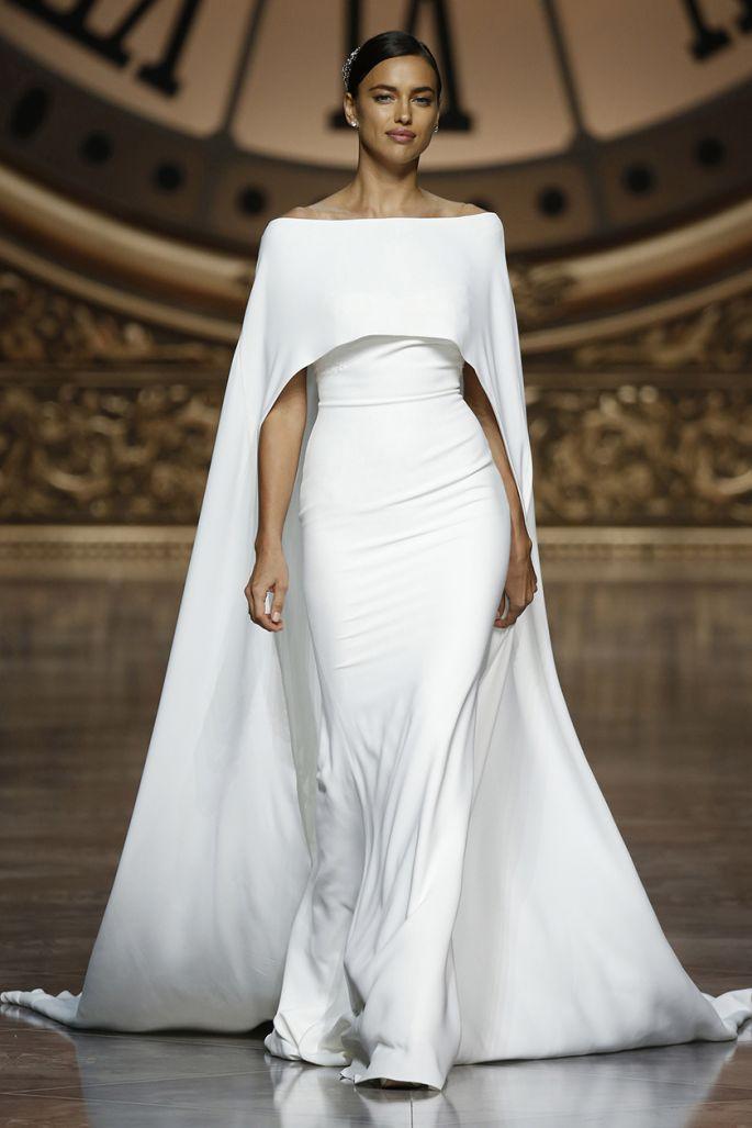 vestido de novia pronovias con capa