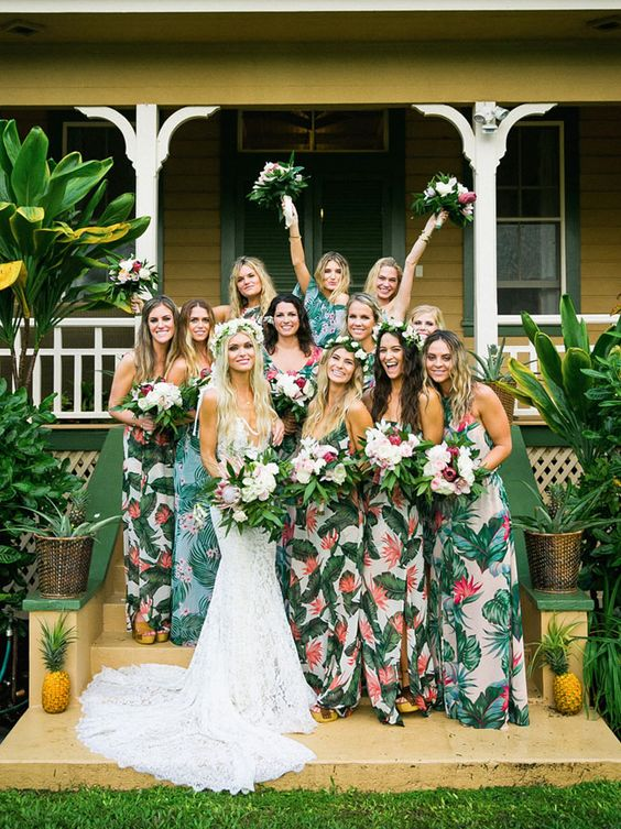 damas de honor tropicales