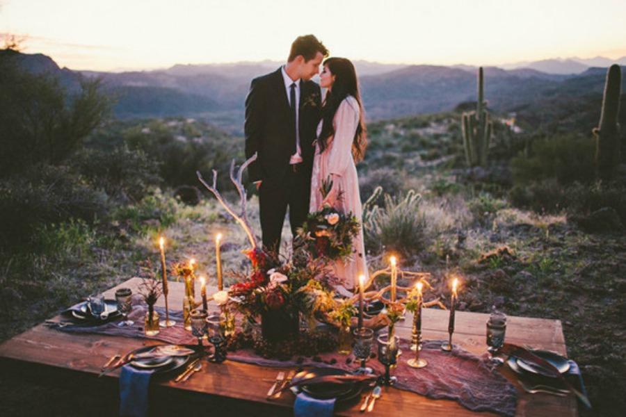 boda desierto al atardecer