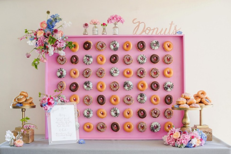donuts time wedding