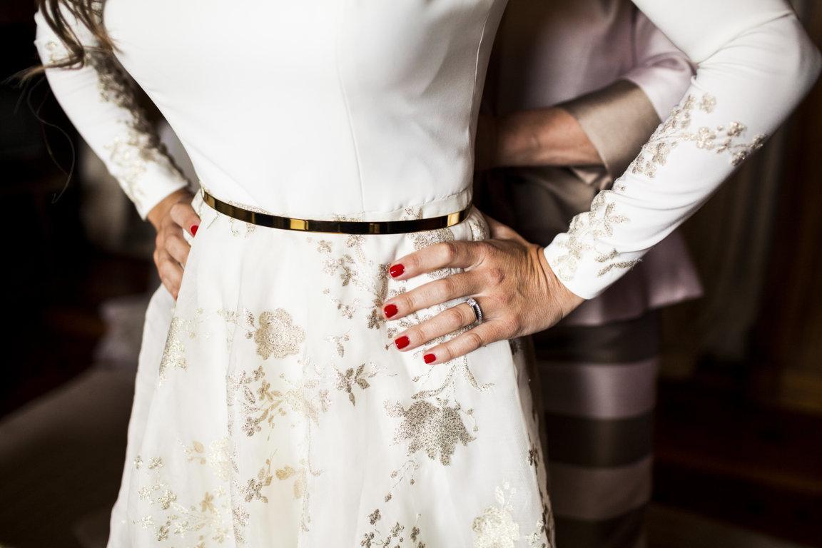 cinturon dorado para novia