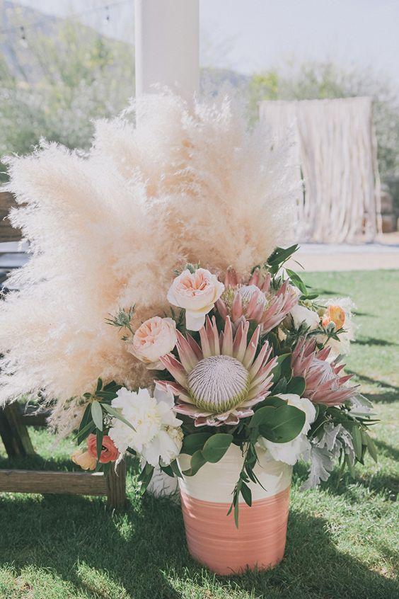centros boda con plumas