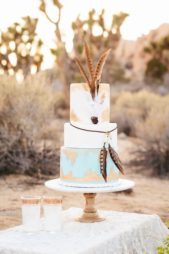 pastel boda con plumas
