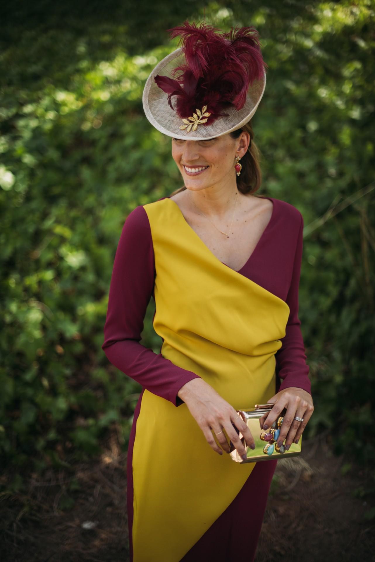 La-Dichosa-Miss-Cavallier-amarillo boda