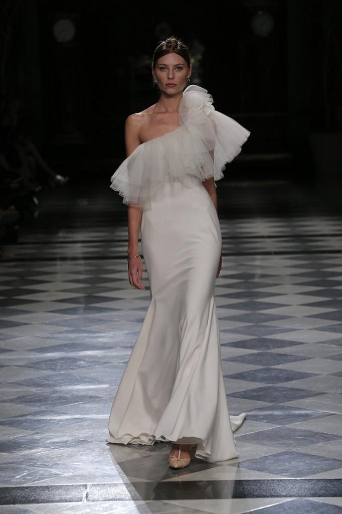 haute couture yolancris 2018 vestidos-novia-barcelona-coleccion-2018-alta-costura-tendencias-novia-yolancris-yolan-cris (18)