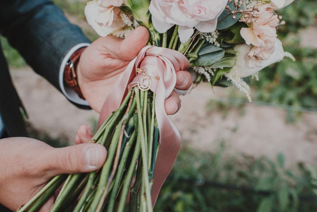 boda entre vinedos AlejandraCasaleizFotografoBodasBarcelonaDestinationWedding-313