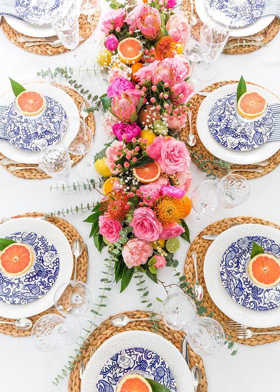 decoracion mesa boda flores y fruta