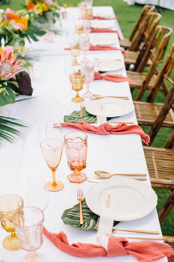 Tropical-Coral-Wedding-Inspiration-Place-Setting