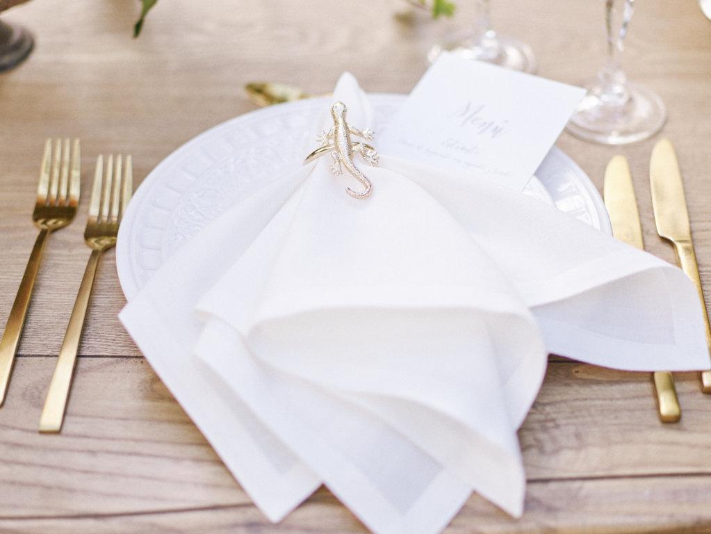 cuberteria dorada bodas
