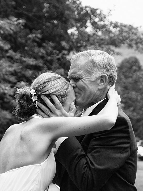 beso padre novia boda