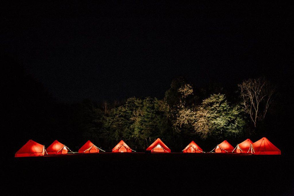 bodas glamping de noche