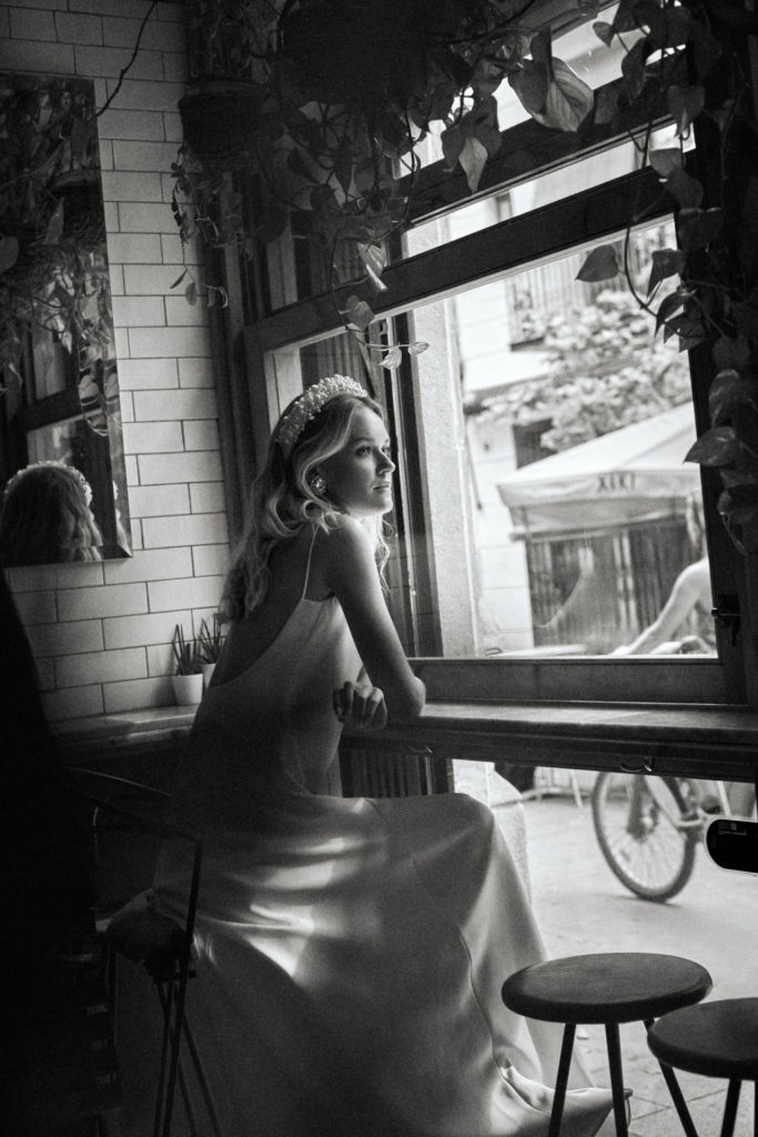 novia-diadema-perlas-slip-dress-larca