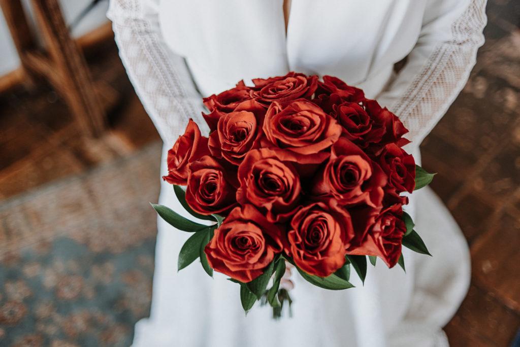 ramo rojo novia